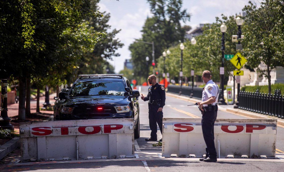 Se rinde el hombre que desató una amenaza de bomba cerca del Congreso de EEUU