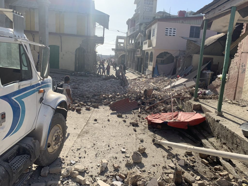 Primeras imágenes de Haití tras terremoto 7.0