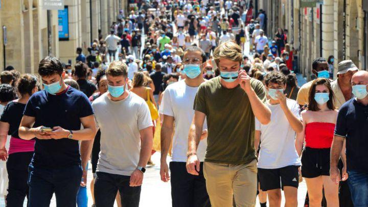 Uso de mascarillas en espacios abiertos será obligatorio en un estado de EEUU