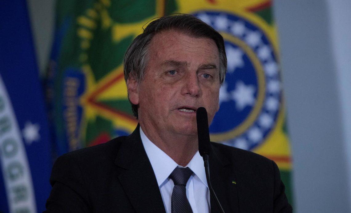 Bolsonaro pide al Senado destituir a juez del Supremo que lo investiga