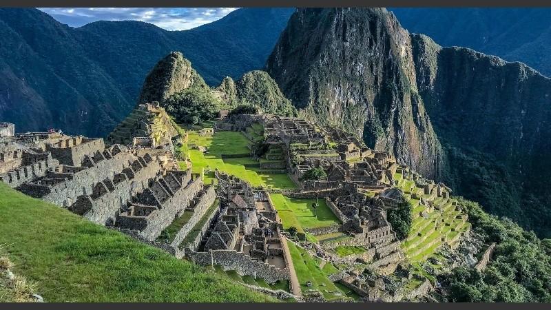 Perú amplia aforo a Machu Picchu para reactivar economía en Cusco