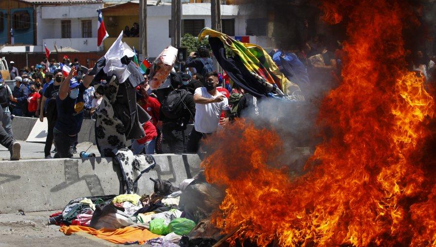 """Presidente Piñera condena """"brutal agresión"""" a migrantes en Chile"""