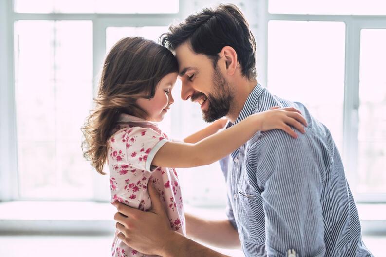 padre-hija-amor-abrazo