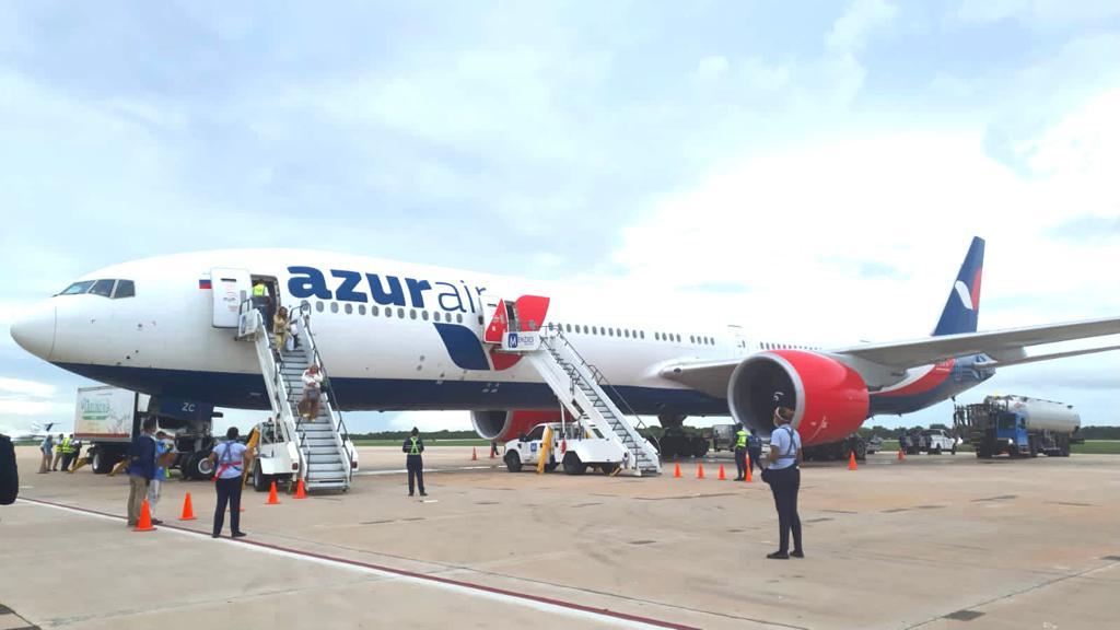 Aterriza en La Romana el primer vuelo directo desde la ciudad rusa de Novosibirsk a RD