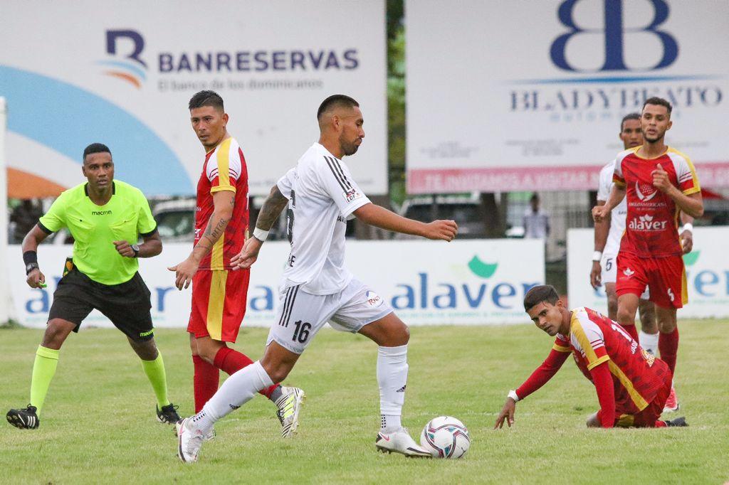 Vega Real, Cibao, Pantoja y Jarabacoa jugarán semifinales de Liga de Fútbol